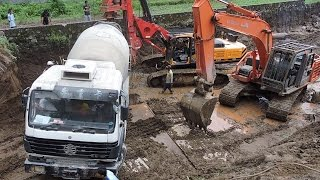 getlinkyoutube.com-Stuck Concrete Mixer Truck Heavy Recovery