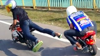 getlinkyoutube.com-Drag Racing : POCKET Mini Moto BiKE Race on streets! (Rossi vs Marquez)
