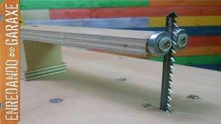 getlinkyoutube.com-Guía vertical para sierra de calar de mesa.