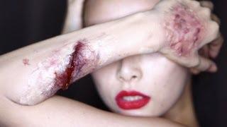 getlinkyoutube.com-[English Subs]Special FX Makeup: Easy scars 100均にあるもので作る簡単傷メイク Halloween Makeup☆