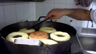 getlinkyoutube.com-Come Fare le Ciambelle e le Bombe Fritte - Ricette Dolci e Cucina