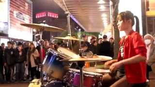getlinkyoutube.com-Excellent Jazz Drummer   Chinese Girl 曼青Gangnam style