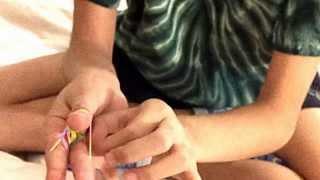 getlinkyoutube.com-How to make a Rainbow Loom  Triple fishtail