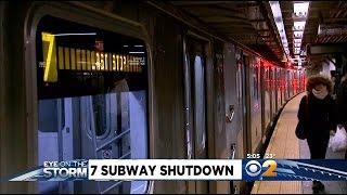 getlinkyoutube.com-7-Train Service Comes To Grinding Halt