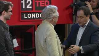 getlinkyoutube.com-How to Pickpocket - Professional James Freedman Teaches : Pickpocket at School : Pick Pocketing