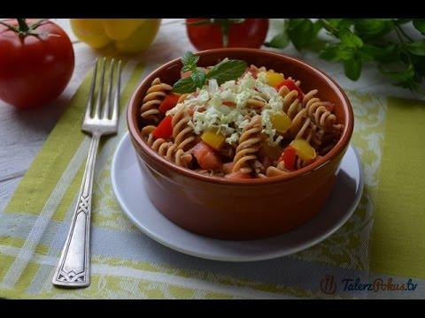 Pełnoziarnisty makaron z mięsem i warzywami