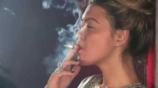 getlinkyoutube.com-Hot British girl smokes fast
