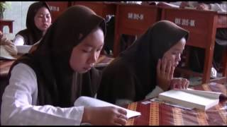 'Pojok Baca' Aransemen Lagu Halo-Halo Bandung