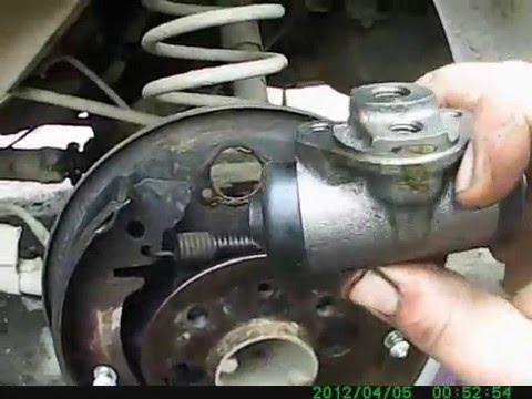 Задний тормозной цилиндр