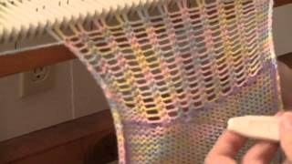 getlinkyoutube.com-Latched Ribbing at the End of a Knitted Piece by Diana Sullivan