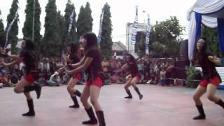 getlinkyoutube.com-Modern Dance SMP Cahaya Harapan at Porseni Strada