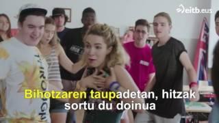 getlinkyoutube.com-Go!azen: 'Euskararen txantxangorria' (karaokea)