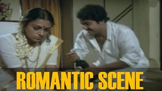 getlinkyoutube.com-Romantic Scenes Of Mohanlal and Mammootty ||  Avidethe pole Evideyum