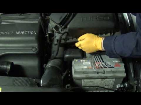 Volvo S70 TDI air filter assembly removal. (D5252T 850 V70 S80 2.5D)