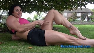 getlinkyoutube.com-Female Bodybuilder With Huge Calves!!!