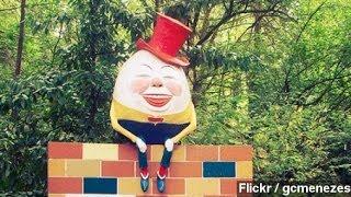 getlinkyoutube.com-Real-Life Humpty Dumpty Statue Falls Off The Wall