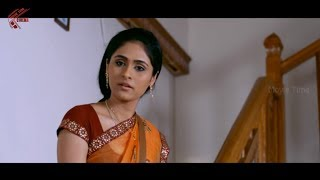getlinkyoutube.com-Biyanka Desai Boss Forcing Her Action Scene    Coffee Bar Movie