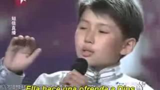 getlinkyoutube.com-Cantando a su madre que esta en el cielo el video que hizo llorar a todo el mundo