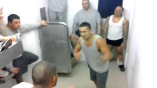 getlinkyoutube.com-პატიმრების დაუნდობელი ჩხუბი - კადრები ციხიდან, რომელმაც ინტერნეტი ააფეთქა