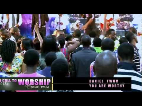 Daniel Twum - Praise Medley