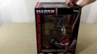 getlinkyoutube.com-Commander Shepard Bishoujo Statue Unboxing