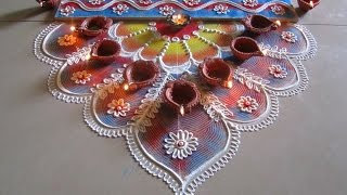 getlinkyoutube.com-Innovative and beautiful rangoli using quilling comb | Diwali special rangoli by Poonam Borkar