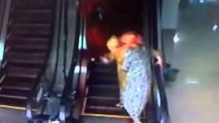 getlinkyoutube.com-Шайтан-лестница. Спаси, Аллах!.mp4