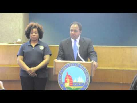 Mayor Dennis P. Williams Speaks at the DE-LEAD Worker Certification
