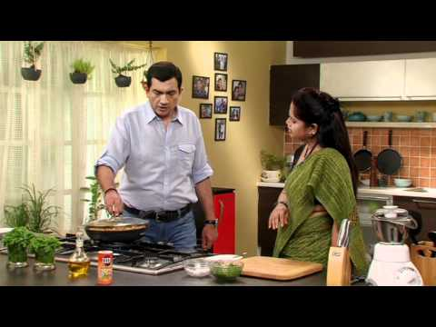 Asita sharing secret recipe with chef Sanjeev Kapoor