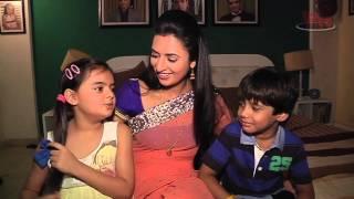 getlinkyoutube.com-Divyanka and Ruhanika aka Ishita and Ruhi of Yeh Hai Mohabbatein shares their monsoon stories