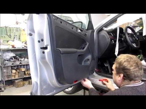 VW Jetta 2015. How to disassemble door panel. Как снять обшивку двери.