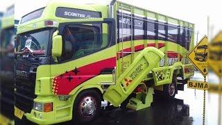 getlinkyoutube.com-Pemenang Kategori Terbanyak Brata Mitsubishi Fuso Modification Truck KAMT 2016 KAYUSUPER