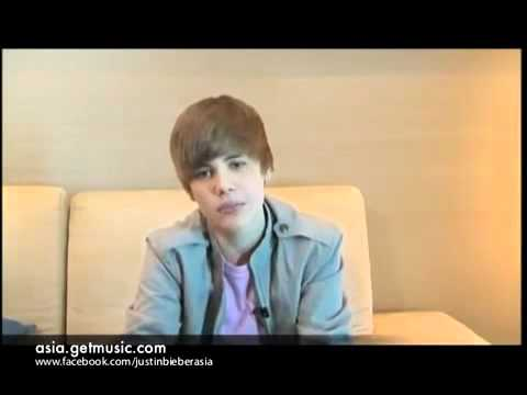 Justin Bieber Speaks in Bahasa Indonesia promising to come to his fans here