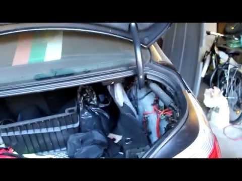 Где находится в BMW X1 предохранитель поворотников