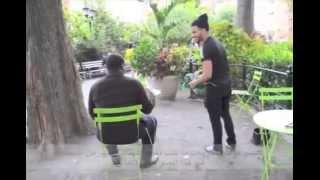 getlinkyoutube.com-(مترجم) شاهدة ردة فعل الأمريكان عندما شاهدوا شاب مسلم يصلي في الأماكن العامة .. مؤثر