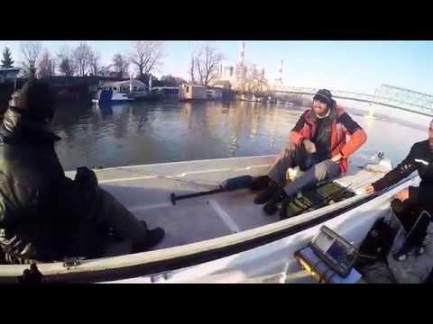 Zimsko pecanje smudja sa drugarima