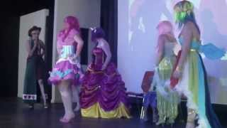 getlinkyoutube.com-Cosplay groupe MLP