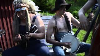 getlinkyoutube.com-The Trooper by Steve'n'Seagulls (LIVE)