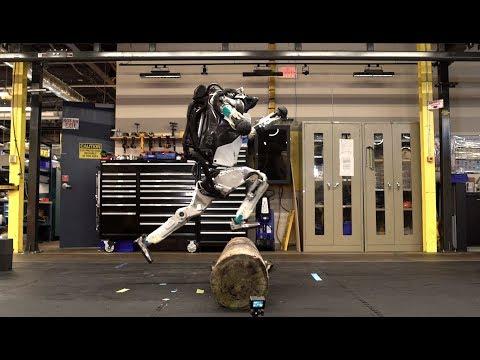 Boston Dynamics показала паркур робота Atlas.