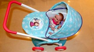 getlinkyoutube.com-Disney Frozen Dolls Pram - Baby Annabell Lil Cutesies Little girl and Baby Dolls Playtime