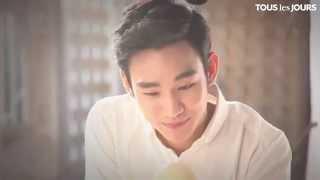 getlinkyoutube.com-Kim Soo Hyun | Tous les Jours 2012.12 Pure Milk Bread making film