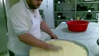 getlinkyoutube.com-النمورة او البسبوسة على طريقة الشيف مصطفى هدلا.mp4