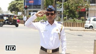 Watch Manoj Bajpayee turns traffic cop for a day !