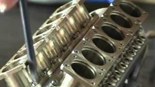 getlinkyoutube.com-V-12 silnik najmniejszy na świecie