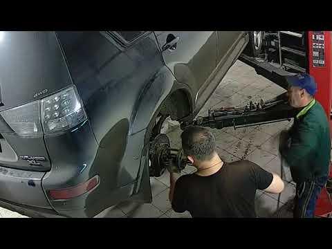 Где находится задний ступичный подшипник в Volvo XC40