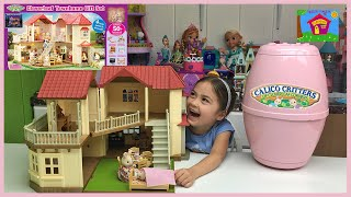 getlinkyoutube.com-HUGE CALICO CRITTERS SURPRISE EGG TOYS Giant Town Home Holiday Gift Set Lights Up + Cute Twin Babies