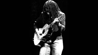 getlinkyoutube.com-Tracy Chapman - Knockin' on heaven's door (live Portland)