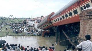 getlinkyoutube.com-Top 10 India's Worst Train Accidents.