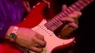 getlinkyoutube.com-yngwie playing an amazing guitar solo!!!!