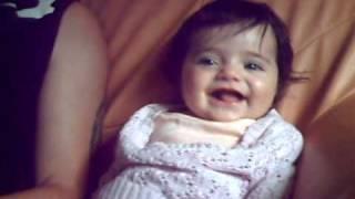 super fou rire bebe avec son papa